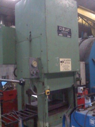 Presse hydraulique CIBLAT 200 T