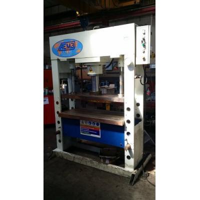 Presse à arcade AEM3 916DE