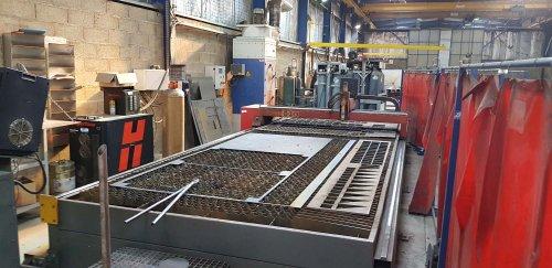 Table de découpe plasma ESPRIT CNC HYPERTHERM EDGE Pro
