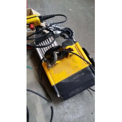 Palan à chaine électrique YALE CPVF 20-4