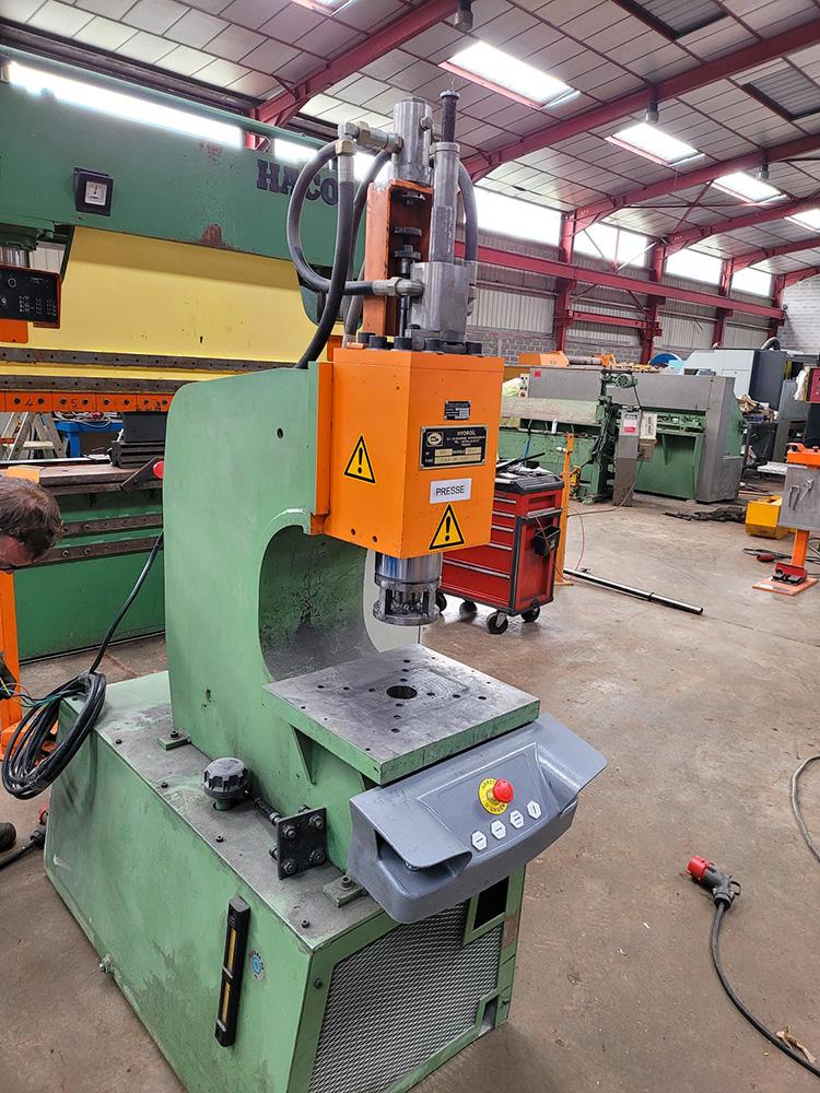 Presse hydraulique HYDROIL HMV - 60 - 120
