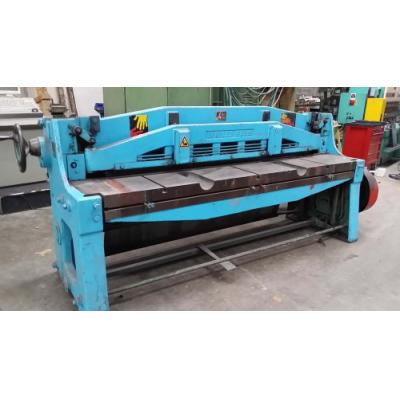 Cisaille guillotine BOMBLED 9F 2054