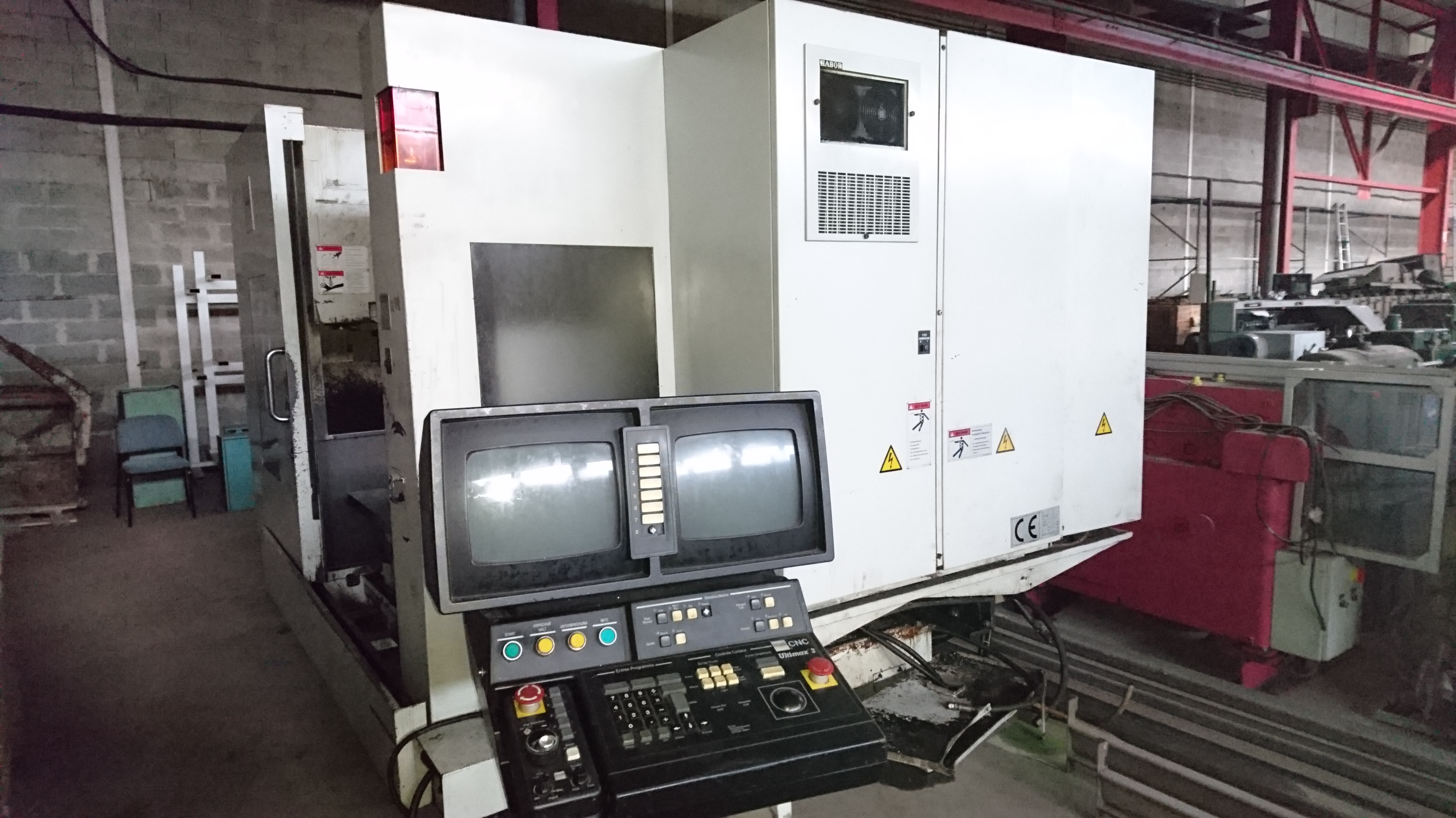 Centre d'usinage HURCO Pegasus VSX 330
